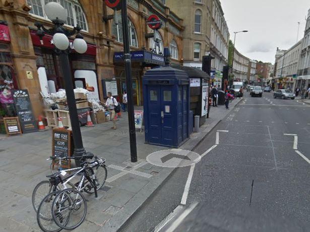 dr-who-the-tardis-police-telefonboks-paaskeaeg-gratis-vores-it-afdeling